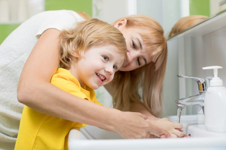 Es importante enseñar buenos hábitos de higiene